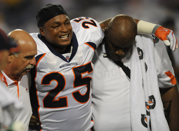 MINNEAPOLIS - SEPTEMBER 02:  LenDale White #25 of the Denver Broncos leaves the field during an NFL preseason game against the Minnesota Vikings at the Mall of America Field at Hubert H. Humphrey Metrodome, on September 2, 2010 in Minneapolis, Minnesota.