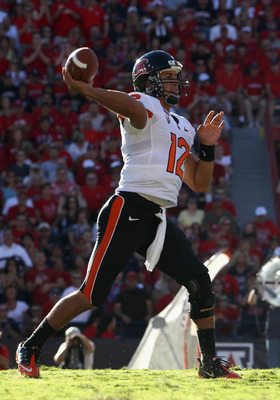 TUCSON, AZ - OCTOBER 09:  Quarterback Ryan Katz #12 of the Oregon State Beavers throws a pass during the college football game against the Arizona Wildcats at Arizona Stadium on October 9, 2010 in Tucson, Arizona.  (Photo by Christian Petersen/Getty Image