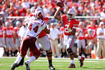 COLUMBUS, OH - OCTOBER 9:  Quarterback Terrelle Pryor #2 of the Ohio State Buckeyes completes a pass against the Indiana Hoosiers at Ohio Stadium on October 9, 2010 in Columbus, Ohio.  (Photo by Jamie Sabau/Getty Images)