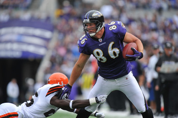 BALTIMORE - SEPTEMBER 26:  Todd Heap #86 of the Baltimore Ravens runs the ball against the Cleveland Browns  at M&T Bank Stadium on September 26, 2010 in Baltimore, Maryland. The Ravens lead the Browns at the half 14-10. (Photo by Larry French/Getty Image