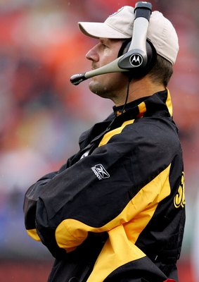 CINCINNATI - DECEMBER 31:  Head coach Bill Cowher of the Pittsburgh Steelers watches as his team plays the Cincinnati Bengals on December 31, 2006 at Paul Brown Stadium in Cincinnati, Ohio. The Steelers defeated the Bengals 23-17.  (Photo by Matthew Stock