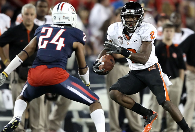 TUCSON, AZ - OCTOBER 09:  Wide receiver Markus Wheaton #2 of the Oregon State Beavers runs with the football after a 6 yard reception against the Arizona Wildcats during the college football game at Arizona Stadium on October 9, 2010 in Tucson, Arizona.