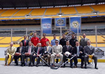 PITTSBURGH - JULY 27:  NHL Commissioner Gary Bettman, Steelers co-Owner and President Art Rooney II, and Penguins Chairman Mario Lemieux pose alongside other NHL personal and local County Officials for a group photo at the 2011 Bridgestone NHL Winter Clas