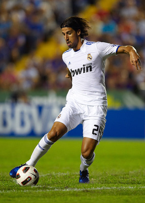 VALENCIA, SPAIN - SEPTEMBER 25: Sami Khedira of Real Madrid controls the ball  during the La Liga match between Levante UD and Real Madrid at Ciutat de Valencia on September 25, 2010 in Valencia, Spain.  (Photo by Manuel Queimadelos Alonso/Getty Images)