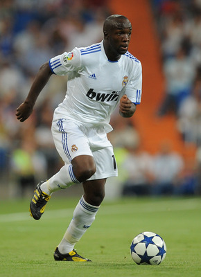MADRID, SPAIN - AUGUST 24: Lass Diarra of Real Madrid in action during the Santiago Bernabeu Trophy match between Real Madrid and Penarol at the Santiago Bernabeu stadium on August 24, 2010 in Madrid, Spain.  (Photo by Denis Doyle/Getty Images)