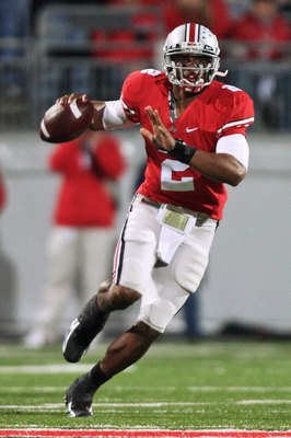 COLUMBUS, OH - OCTOBER 25: Quarterback Terrell Pryor #2 of the Ohio State Buckeyes looks for an open receiver against the Penn State Nittany Lions on October 25, 2008 at Ohio Stadium in Columbus, Ohio.  (Photo by Jamie Sabau/Getty Images)
