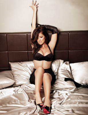 Minka-kelly-esquire-mag-01_display_image