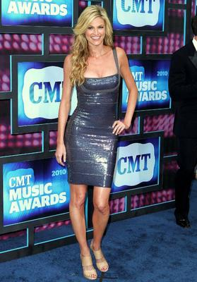 Erin_andrews_2010_cmt_music_awards_3_display_image