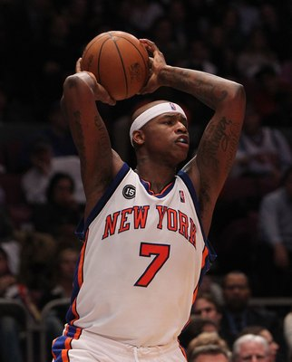 NEW YORK - FEBRUARY 17:  Al Harrington #1 of the New York Knicks passes against the Chicago Bulls at Madison Square Garden on February 17, 2010 in New York, New York. NOTE TO USER: User expressly acknowledges and agrees that, by downloading and or using t