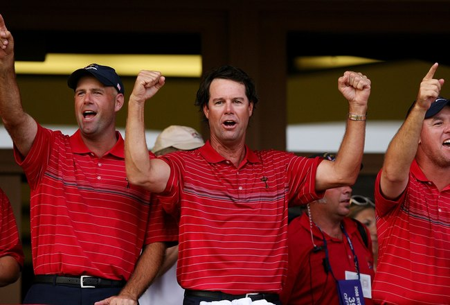 LOUISVILLE, KY - SEPTEMBER 21:  (L-R) Stewart Cink, Captain Paul Azinger and Boo Weekley celebrate the USA 16 1/2 - 11 1/2 victory on the final day of the 2008 Ryder Cup at Valhalla Golf Club on September 21, 2008 in Louisville, Kentucky.  (Photo by Andy