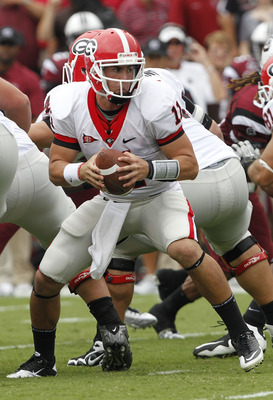 COLUMBIA, SC - SEPTEMBER 11:  Quarterback Aaron Murray #11 of the Georgia Bulldogs looks to hand off the ball during the game against the South Carolina Gamecocks at Williams-Brice Stadium on September 11, 2010 in Columbia, South Carolina.  The Gamecocks