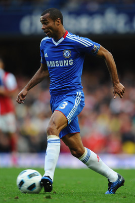 LONDON, ENGLAND - OCTOBER 03:  Ashley Cole of Chelsea in action during the Barclays Premier League match between Chelsea and Arsenal at Stamford Bridge on October 3, 2010 in London, England.  (Photo by Mike Hewitt/Getty Images)