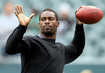 A game-time decision, Vick will hope to play against his former team, the Atlanta Falcons.