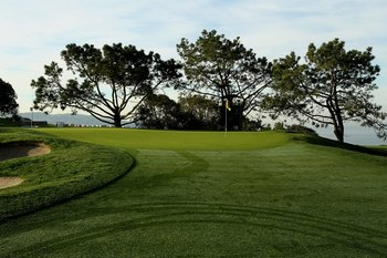LA JOLLA, CA - JANUARY 30:  The second hole on the South Course at Torrey Pines Golf Course during the third round of the Farmers Insurance Open on January 30, 2010 in La Jolla, California. (Photo by Stephen Dunn/Getty Images)