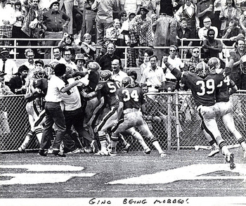 Gene Washington celebrates with teammates after a 75-yard touchdown leads to a 10-7 Bulldog win over the Florida Gators in 1975.