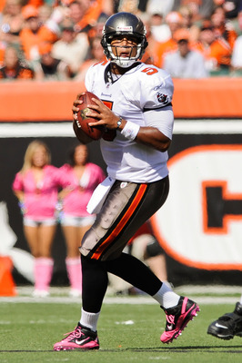 CINCINNATI, OH - OCTOBER 10: Quarterback Josh Freeman #5 of the Tampa Bay Buccaneers drops back to pass against the Cincinnati Bengals at Paul Brown Stadium on October 10, 2010 in Cincinnati, Ohio. (Photo by Jamie Sabau/Getty Images)