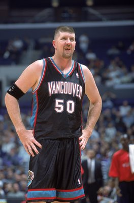 2 Nov 2000:  Bryant Reeves #50 of the Vancouver Grizzlies looks on during the game against the Los Angeles Clippers at the Staples Center in Los Angeles, California. The Grizzlies defeated the Clippers 99-91.  NOTE TO USER: It is expressly understood that