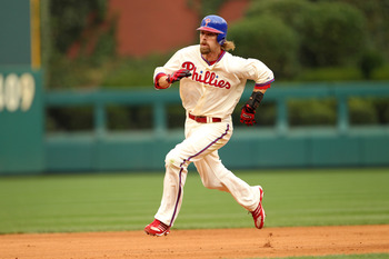 PHILADELPHIA - SEPTEMBER 26: Right fielder Jayson Werth #28 of the Philadelphia Phillies runs to third base during a game against the New York Mets at Citizens Bank Park on September 26, 2010 in Philadelphia, Pennsylvania. (Photo by Hunter Martin/Getty Im