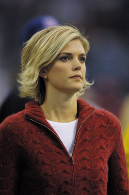 15 Oct 2001:  Reporter Melissa Stark with ABC during the game at Texas Stadium in Irving, Texas. The Cowboys defeat the Redskins 9-7. DIGITAL IMAGE. Mandatory Credit: Ronald Martinez/Allsport