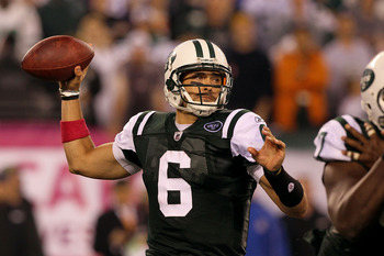 EAST RUTHERFORD, NJ - OCTOBER 11:  Mark Sanchez #6 of the New York Jets throws a pass against the Minnesota Vikings at New Meadowlands Stadium on October 11, 2010 in East Rutherford, New Jersey.  (Photo by Jim McIsaac/Getty Images)