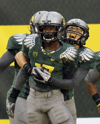 Oregon-football-uniforms-d4f341f360624861_display_image