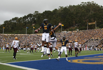 BERKELEY, CA - OCTOBER 04:  Syd'Quan Thompson #5 of the California Golden Bears celebrates after scoring a touchdown against the Arizona State Sun Devils during an NCAA football game at Memorial Stadium on October 4, 2008 in Berkeley, California.  (Photo