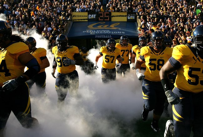 BERKELEY, CA - OCTOBER 03:  The California Golden Bears enter the stadium before their game against the USC Trojans at California Memorial Stadium on October 3, 2009 in Berkeley, California.  (Photo by Ezra Shaw/Getty Images)