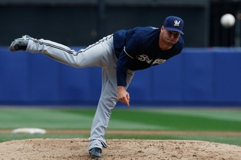 NEW YORK - APRIL 12:  Ben Sheets #15 of the Milwaukee Brewers pitches against the New York Mets on April 12, 2008 at Shea Stadium in the Flushing neighborhood of the Queens borough of New York City.  (Photo by Nick Laham/Getty Images)