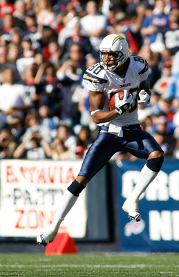 ORCHARD PARK, NY - OCTOBER 19: Malcolm Floyd #80 of the San Diego Chargers makes a catch against the Buffalo Bills  on October 19, 2008 at Ralph Wilson Stadium in Orchard Park, New York. Buffalo won 23-14.  (Photo by Rick Stewart/Getty Images)
