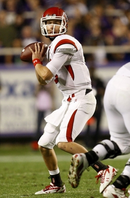 FORT WORTH, TX - NOVEMBER 14:  Quarterback Jordan Wynn #3 of the Utah Utes looks to pass the ball in the second quarter of the game against the TCU Horned Frogs at Amon G. Carter Stadium on November 14, 2009 in Fort Worth, Texas.  (Photo by Ronald Martine