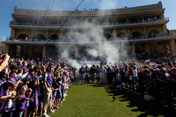FORT WORTH, TX - OCTOBER 16:  The TCU Horned Frogs take to the field against the BYU Cougars at Amon G. Carter Stadium on October 16, 2010 in Fort Worth, Texas.  TCU beat BYU 31-3.  (Photo by Tom Pennington/Getty Images)