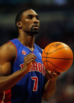CHICAGO - DECEMBER 02: Ben Gordon #7 of the Detroit Pistons waits to shoot a free-throw against the Chicago Bulls at the United Center on December 2, 2009 in Chicago, Illinois. The Bulls defeated the Pistons 92-85. NOTE TO USER: User expressly acknowledge