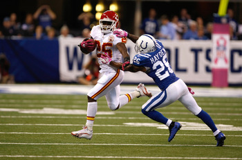 INDIANAPOLIS, IN - OCTOBER 10: Jamaal Charles #25 of the Kansas City Chiefs runs with the football against the Indianapolis Colts at Lucas Oil Stadium on October 10, 2010 in Indianapolis, Indiana.  (Photo by Scott Boehm/Getty Images)