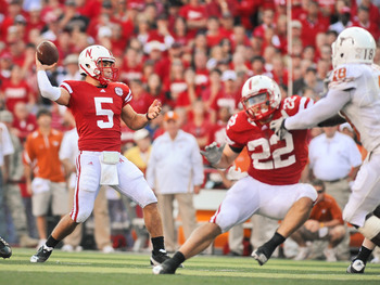 LINCOLN, NE - OCTOBER 16: Quarterback Zac Lee #5 of the Nebraska Cornhuskers throws downfield as teammate Rex Burkhead blocks during their game at Memorial Stadium on October 16, 2010 in Lincoln, Nebraska. Texas Defeated Nebraska 20-13. (Photo by Eric Fra