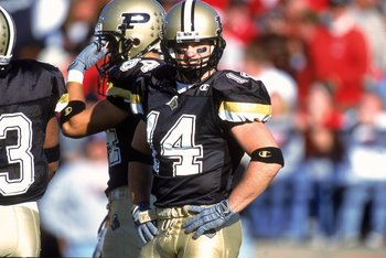28 Oct 2000: Quarterback Vinny Sutherland #14 of the Purdue Boilermakers looks off the field during the game against the Ohio State Buckeyes at the Ross-Ade Stadium in Lafayette, Indiana. The Boilermakers defeated the Buckeyes 31-27.Mandatory Credit: Jona
