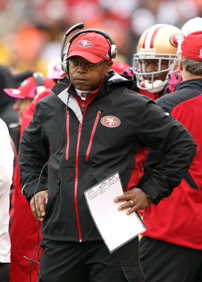 SAN FRANCISCO - OCTOBER 17:  Head coach Mike Singletary of the San Francisco 49ers reacts on the sidelines during their game against the Oakland Raiders at Candlestick Park on October 17, 2010 in San Francisco, California.  (Photo by Ezra Shaw/Getty Image