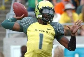 Oregon may be No. 1, but those uniforms are anything but top-notch