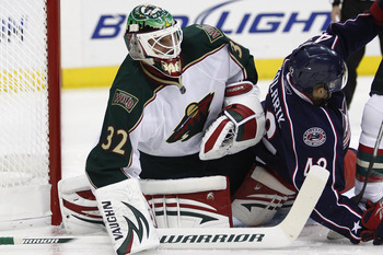 COLUMBUS,OH - SEPTEMBER 28:  Niklas Backstrom #32 of the Minnesota Wild looks for the puck during the second period on September 28, 2010 at Nationwide Arena in Columbus, Ohio.  (Photo by John Grieshop/Getty Images)