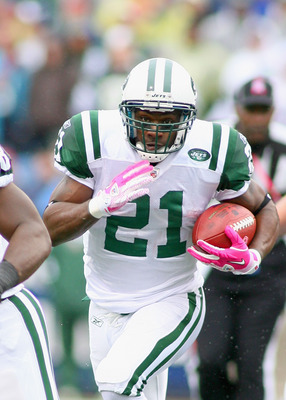 ORCHARD PARK, NY - OCTOBER 03:  LaDanian Tomlinson #21 of the New York Jets runs against the Buffalo Bills at Ralph Wilson Stadium on October 3, 2010 in Orchard Park, New York. The Jets won 38-14.  (Photo by Rick Stewart/Getty Images)