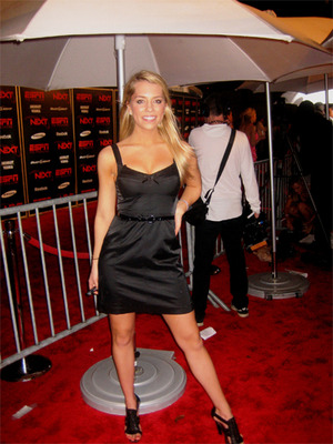 Lindssayredcarpet7_display_image