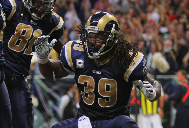 ST. LOUIS - OCTOBER 17: Steven Jackson #39 of the St. Louis Rams celebrates a touchdown against the San Diego Chargers at the Edward Jones Dome on October 17, 2010 in St. Louis, Missouri.  The Rams beat the Chargers 20-17.  (Photo by Dilip Vishwanat/Getty