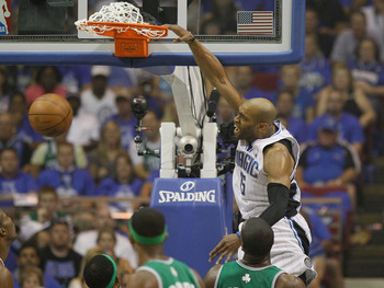 ORLANDO, FL - MAY 16:  Vince Carter #15 of the Orlando Magic dunks against the Boston Celtics in Game One of the Eastern Conference Finals during the 2010 NBA Playoffs at Amway Arena on May 16, 2010 in Orlando, Florida.  NOTE TO USER: User expressly ackno