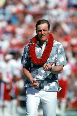 Jack Lambert Accepts An Award At The Pro Bowl In Hawaii