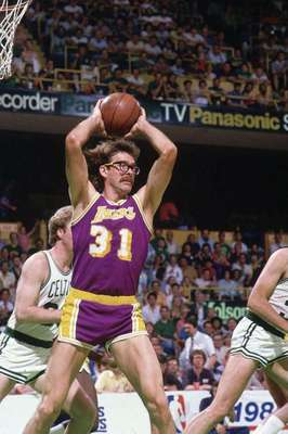 Kurt_rambis_display_image