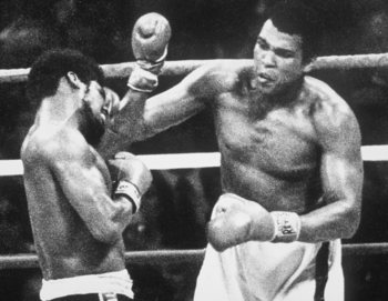 15 Sep 1978: Muhammad Ali wins his third World Heavyweight Title against Leon Spinks. Mandatory Credit: Allsport UK/Allsport
