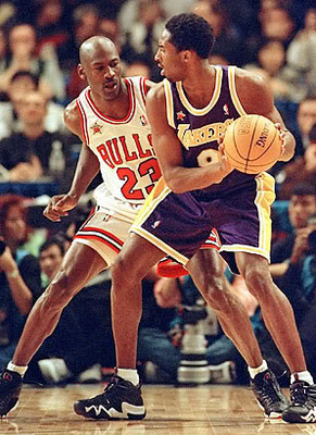 Kobe Bryant posting up against MJ in the 1998 NBA All-Star Game