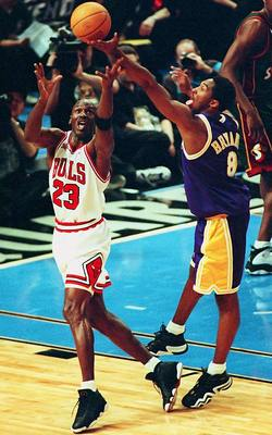 Michael and Kobe battling for a rebound in the 1998 All-Star Game