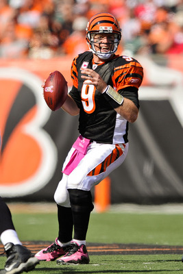 CINCINNATI, OH - OCTOBER 10: Quarterback Carson Palmer #9 of the Cincinnati Bengals sets up to throw against the Tampa Bay Buccaneers at Paul Brown Stadium on October 10, 2010 in Cincinnati, Ohio. (Photo by Jamie Sabau/Getty Images)