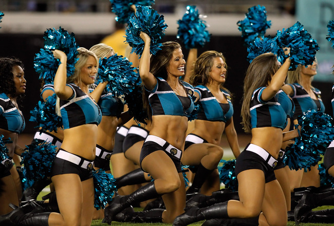 JACKSONVILLE, FL - OCTOBER 18:  Cheerleaders of the Jacksonville Jaguars perform during the game against the Tennessee Titans during the game at EverBank Field on October 18, 2010 in Jacksonville, Florida.  (Photo by J. Meric/Getty Images)