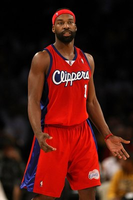 LOS ANGELES, CA - JANUARY 15:  Baron Davis #1 of the Los Angeles Clippers reacts during the game against the Los Angeles Lakers on January 15, 2010 at Staples Center in Los Angeles, California. The Lakers won 126-86.  NOTE TO USER: User expressly acknowle